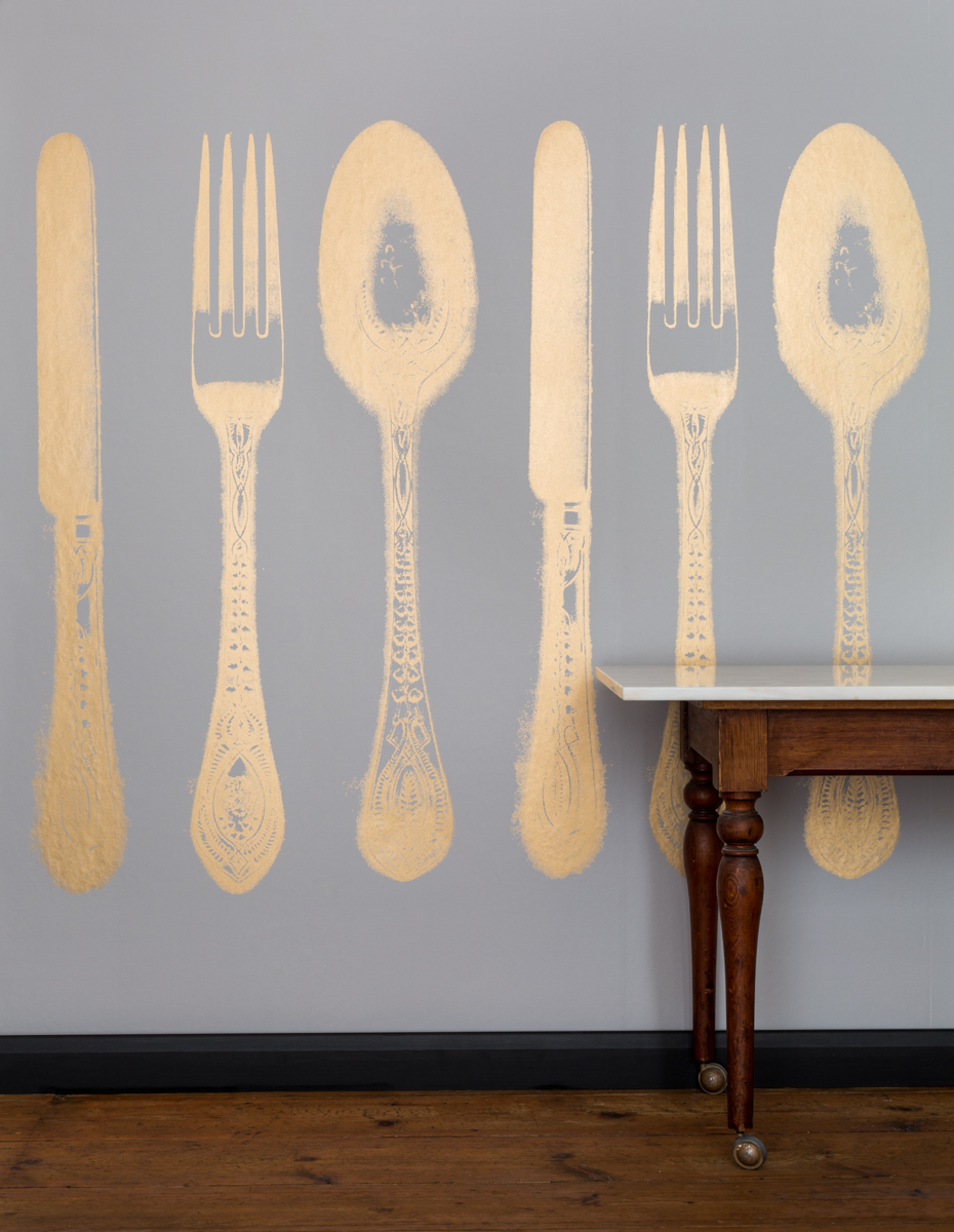 SMALL CUTLERY - Tracy Kendall Wallpaper (photo - Ollie Harrop)