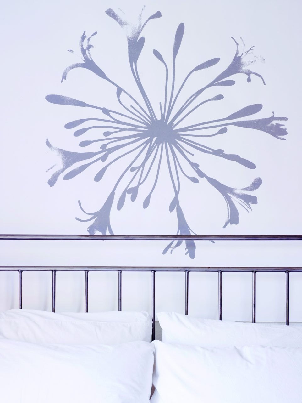 AGAPANTHUS - Tracy Kendall Wallpaper (photo - Rachel Smith)
